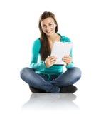 Mujer con la tableta de la PC Imágenes de archivo libres de regalías