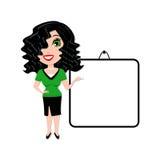 Mujer con la tarjeta blanca en blanco de la presentación Imagenes de archivo