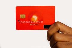Mujer con la tarjeta de crédito fotos de archivo