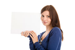 Mujer con la tarjeta de nota en blanco Fotografía de archivo