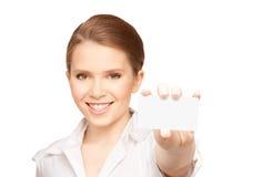Mujer con la tarjeta de visita Foto de archivo libre de regalías