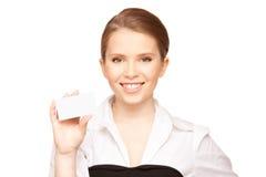 Mujer con la tarjeta de visita Imagen de archivo