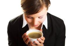 Mujer con la taza de café Fotos de archivo libres de regalías