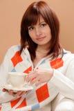 Mujer con la taza de té Fotografía de archivo libre de regalías