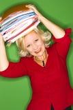 Mujer con las carpetas de arriba Imágenes de archivo libres de regalías