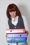 Mujer con las carpetas de la oficina. imágenes de archivo libres de regalías