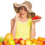 Mujer con las frutas imagenes de archivo