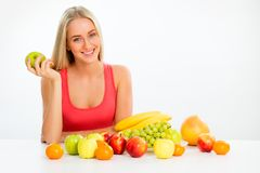 Mujer con las frutas fotos de archivo libres de regalías