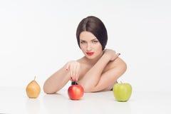 Mujer con las frutas Fotos de archivo