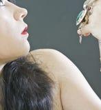 Mujer con las joyas foto de archivo libre de regalías