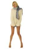 Mujer con las piernas descubiertas. Imagenes de archivo