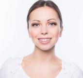 Mujer con los apoyos de los dientes Fotos de archivo libres de regalías