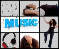 Mujer con los auriculares y la música del goce Imagenes de archivo
