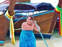 Mujer con los barcos Imagen de archivo