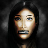 Mujer con los labios relampagados Imagen de archivo