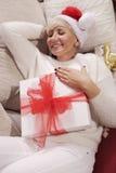Mujer con los regalos Imagenes de archivo
