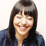 Mujer con sonrisa feliz grande Imagen de archivo libre de regalías