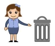 Mujer con un cubo de la basura Imágenes de archivo libres de regalías