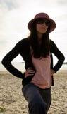 Mujer con un sombrero Fotos de archivo libres de regalías