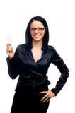 Mujer con una tarjeta de visita Imagenes de archivo