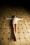 Mujer crucificada Foto de archivo libre de regalías