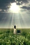 Mujer curada por la potencia de dios Imágenes de archivo libres de regalías