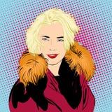 Mujer de Blondy en pieles Una mujer que explica algo Imagen de archivo