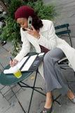 Mujer de carrera móvil Fotos de archivo libres de regalías