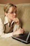 Mujer de charla Imagenes de archivo