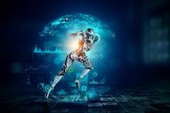 Mujer de funcionamiento de plata del Cyborg T?cnicas mixtas imagen de archivo libre de regalías