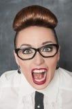 Mujer de griterío enojada fotografía de archivo
