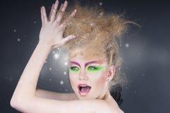 Mujer de la belleza de la moda con maquillaje colorido Imagen de archivo libre de regalías
