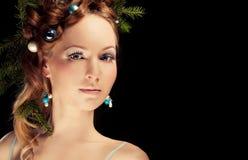 Mujer de la belleza de la Navidad El día de fiesta compone Pestañas falsas, chr del arte Imágenes de archivo libres de regalías