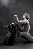 Mujer de la belleza en alineada pasada de moda Fotos de archivo libres de regalías