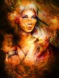 Mujer de la diosa en espacio cósmico Fondo cósmico del espacio E Fotografía de archivo libre de regalías