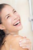 Mujer de la ducha feliz Imagenes de archivo