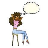 mujer de la historieta que presenta en taburete con la burbuja del pensamiento Imagen de archivo