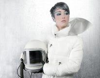 Mujer de la manera del casco de los aviones de la nave espacial del astronauta fotos de archivo libres de regalías