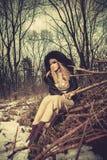 Mujer de la manera del invierno Foto de archivo libre de regalías