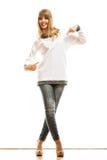 Mujer de la moda en camiseta blanca en blanco Imagenes de archivo