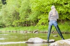 Mujer de la pesca Imágenes de archivo libres de regalías