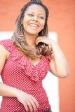 Mujer de la risa en alineada roja de la polca Imagen de archivo