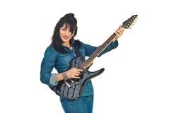 Mujer de la roca que toca la guitarra Foto de archivo