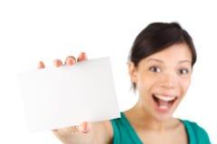 Mujer de la tarjeta en blanco Imágenes de archivo libres de regalías