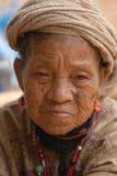 Mujer de la tribu de la colina fotos de archivo