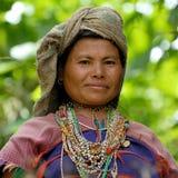 Mujer de la tribu de la colina Imagenes de archivo