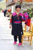 Mujer de la tribu roja de la colina de Yao en Longsheng, China Foto de archivo libre de regalías