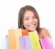 Mujer de las compras linda Fotos de archivo libres de regalías