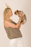 Mujer de moda con el perro Imagen de archivo