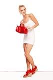 Mujer de moda en accesorios rojos Fotos de archivo libres de regalías